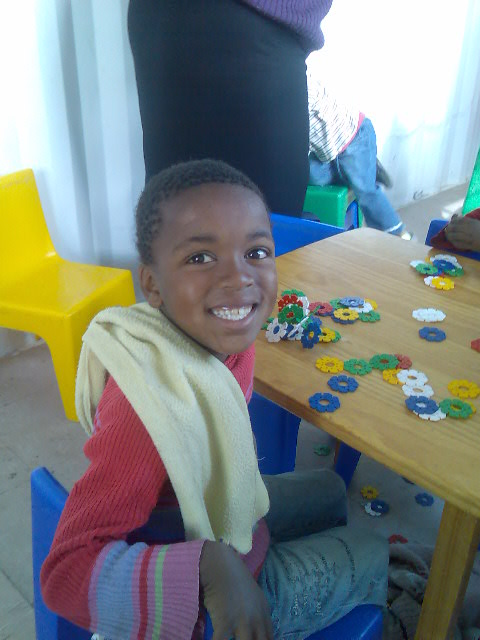 Kind bij Etafeni